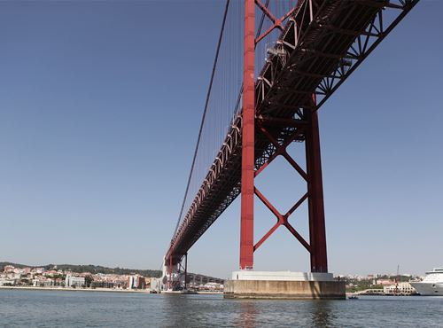 Underwater Inspection of piers 3 and 4 of the 25 de Abril Bridge